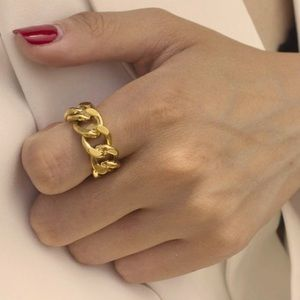 Chunky chain open ring